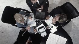 Vztahy mezi managementem a vlastníky firem